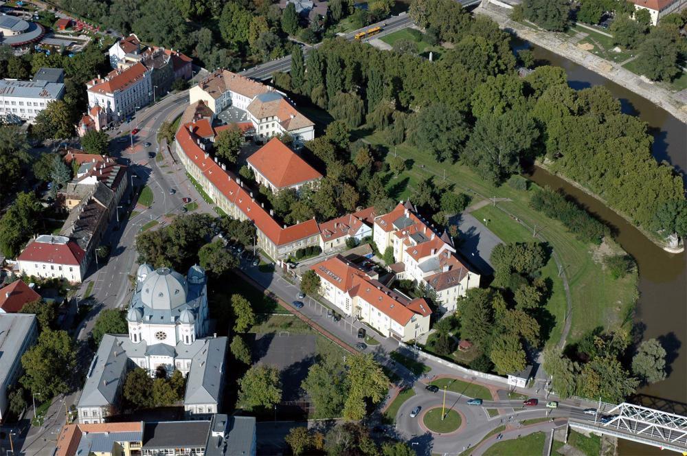 Szeretetházzal fejeződött be a Győri Evangélikus Egyházközség 9 ütemből álló korszerűsítése