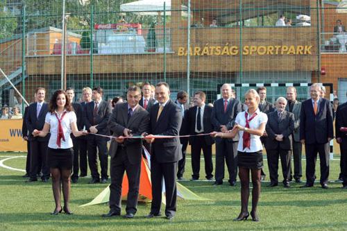 2009.09.18.-án megnyílt a Barátságpark