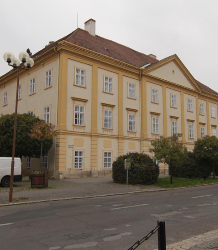 Szombathely, Táncsics Mihály u. 48. szám alatti telken meglévő volt kollégium épület átalakításának