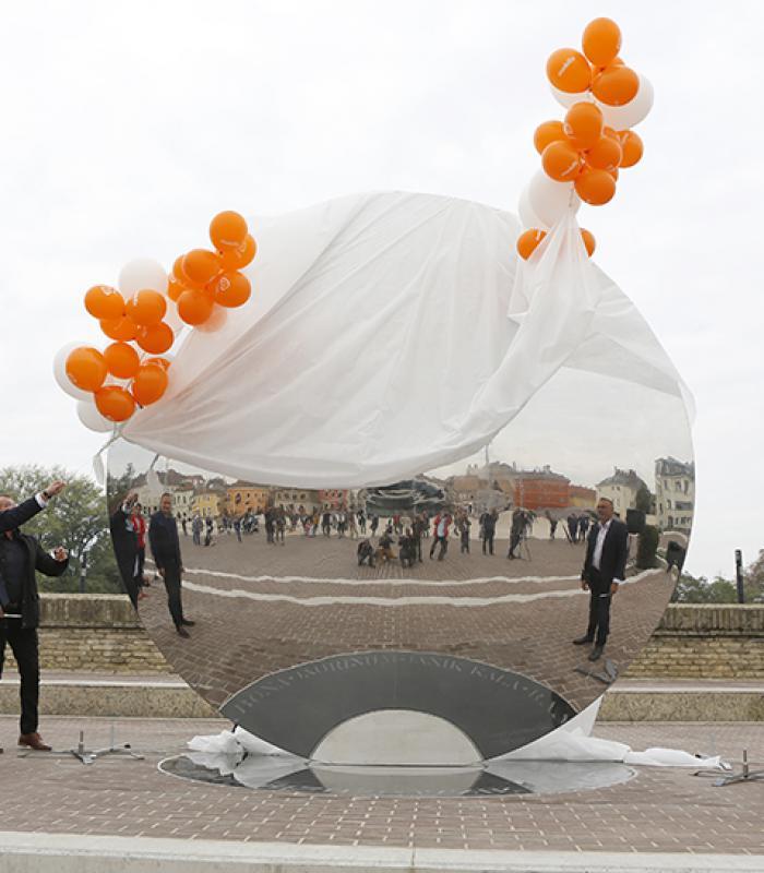 Látványos panorámakép a szinte teljesen kész győri Dunakapu térről