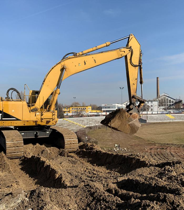 Megkezdődtek a Bozsik stadion bontási munkái.