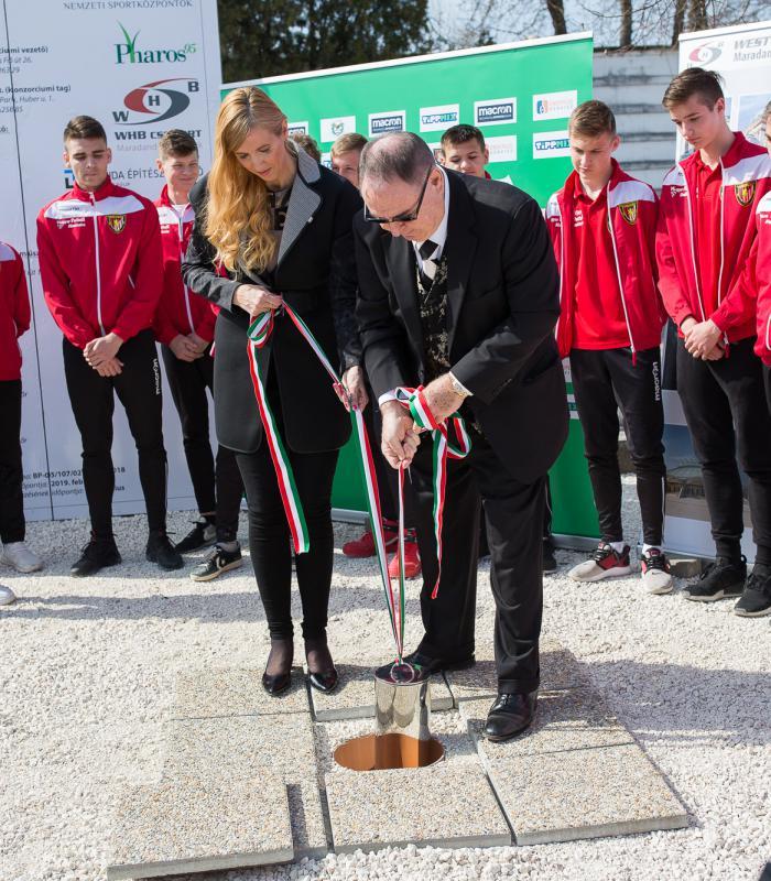 Lerakták az új Bozsik Stadion alapkövét