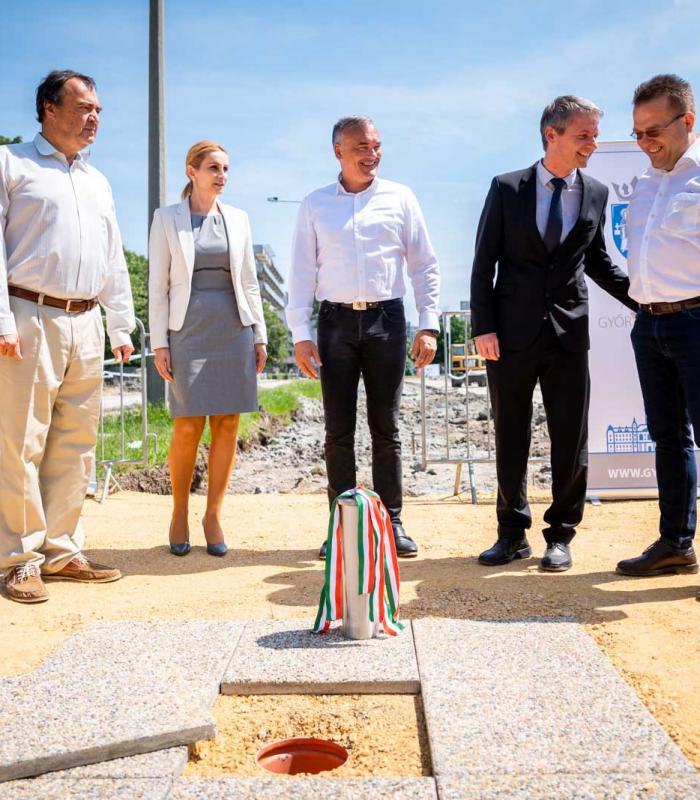 500 parkolóhely és napelemek – Épül a PAMOK parkolólemeze Győrben